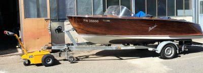 Anhänger-Rangierer-Boot Multimover L25 - Motorboot rangieren - Motorboot manövrieren - Boot versetzen - Boot-Trailer ziehen - Rangierhilfe