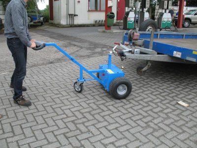 Elektroschlepper-M-1800kg-14 - Multimover M18 - Anhänger rangieren - Anhänger manövrieren - Elektroschlepper - Rangierhilfe - Industrieschlepper - Zughilfe - Elektro-Schlepper