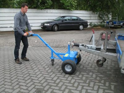 Electric hand tug-M-1800kg-15 - Multimover - Electric hand tug Multi-Mover M18 - electric tug - power tug - electric tugger - electric tow tugs - Motorized tug - manoeuvre a trailer - shunt a trailer