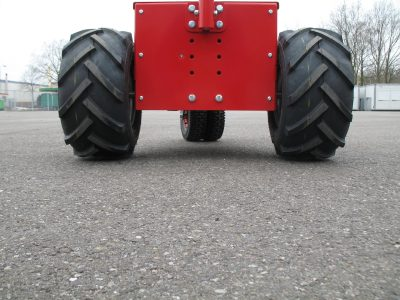 Luftreifen 18x9.5-8 mit Traktorprofil B. 250mm Ø430 mm mit Radkranz *