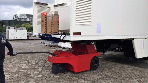 Truck-Trailer-Shunter - Multi-Mover - electric tug - power tug - electric tugger - electric tow tugs - Motorized tug - pedestrian electric tug - electric mover - heavy goods transporter