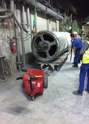 L'industrie - industrie métallurgique - Tracteur électrique - tracteur pousseur électrique - chariot manutention electrique - Tireur pousseur électrique